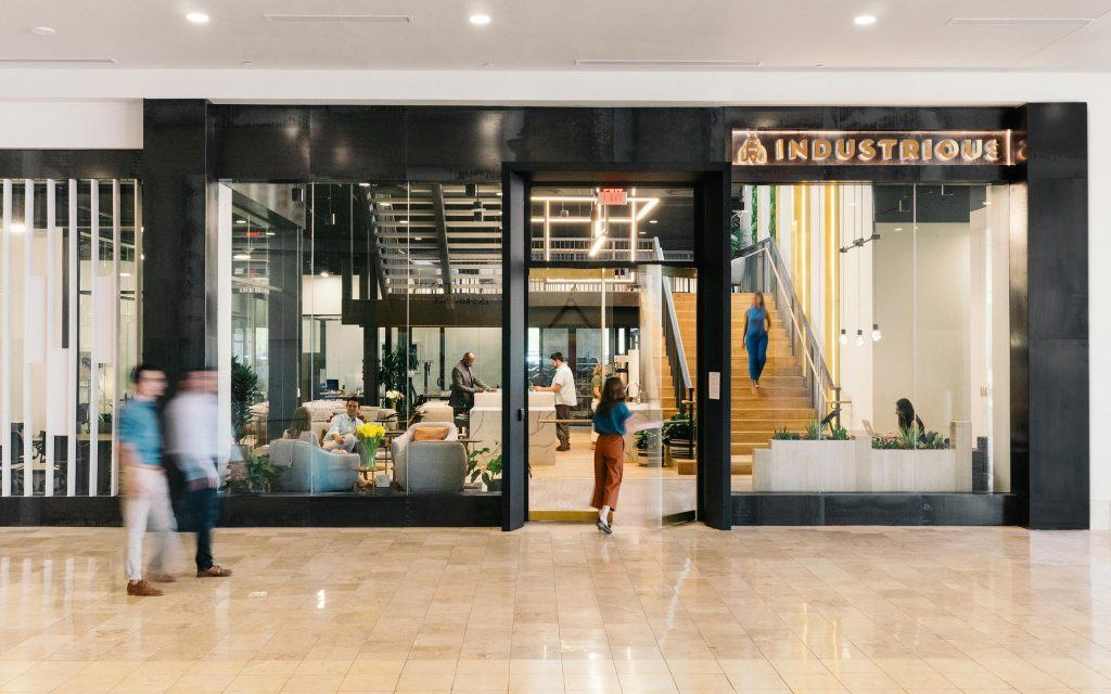 Scottsdale Fashion Square >> Inside The First Industrious Mall Location At Scottsdale Fashion