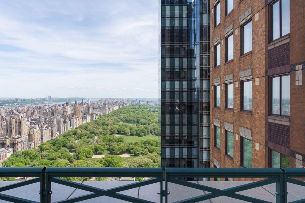 Members enjoy stunning views of Central Park and the New York City skyline.